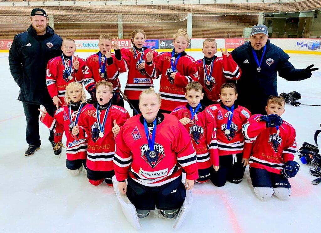 Kõik Tondiraba Jäähallis Olümpia Cupil 2020 osalenud HC Panter võistkonnad said medalid kaela